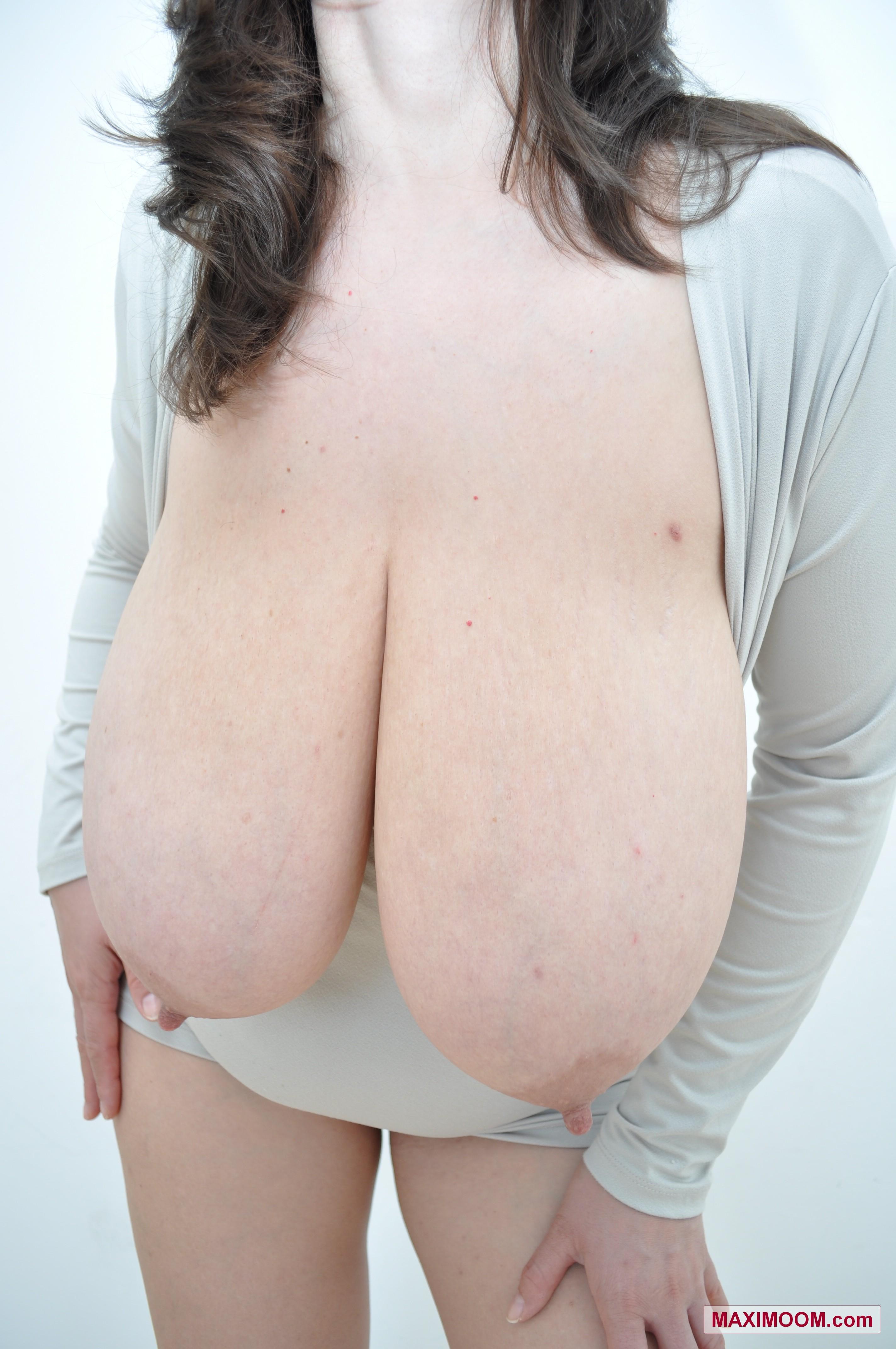 Teen gigantomastia topless, sexy babe creampie